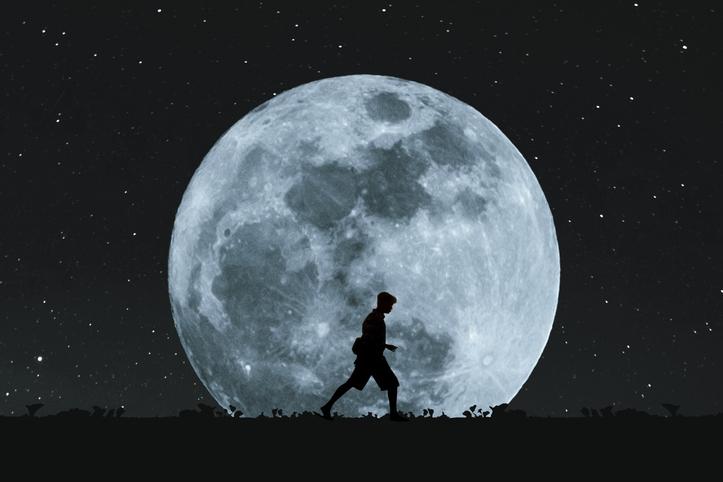 Prevenir la obesidad caminando hasta… la luna
