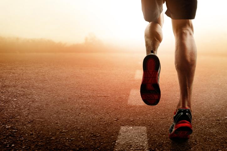 Cómo entrenar para una carrera cardiosaludable