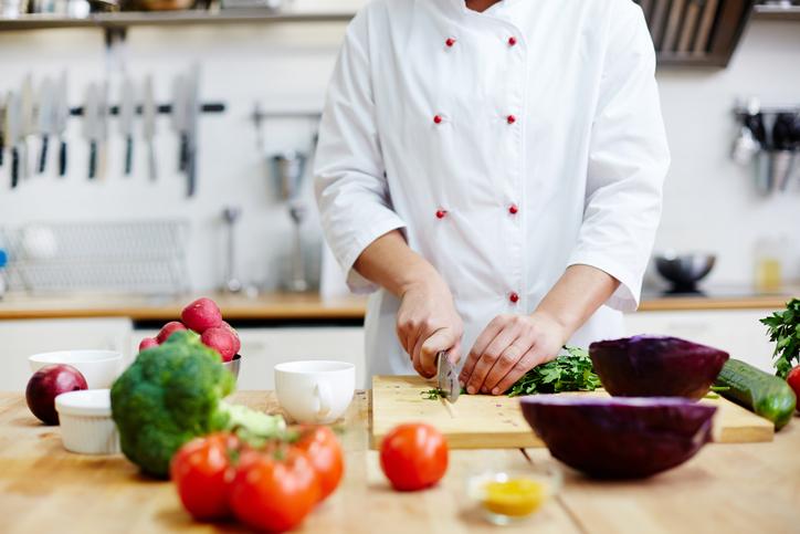 Consejos para que comer fuera de casa no perjudique a tu salud cardiovascular