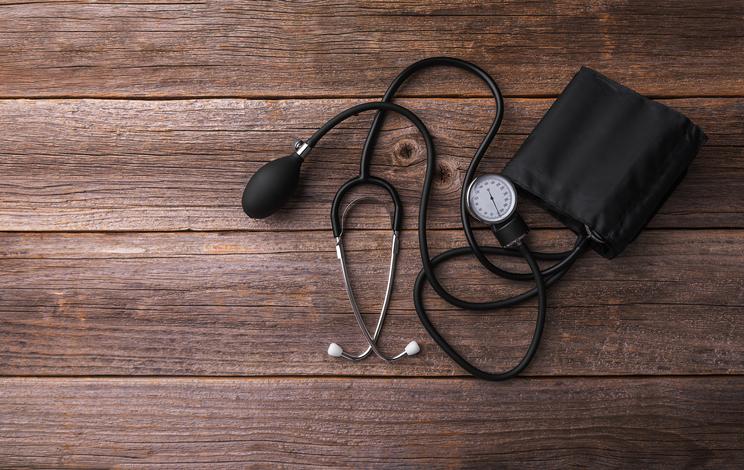 ¿Qué alimentación seguir y qué actividad física hacer para controlar la hipertensión?