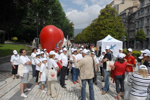 Paseo cardiosaludable en la Semana del Corazón de Oviedo